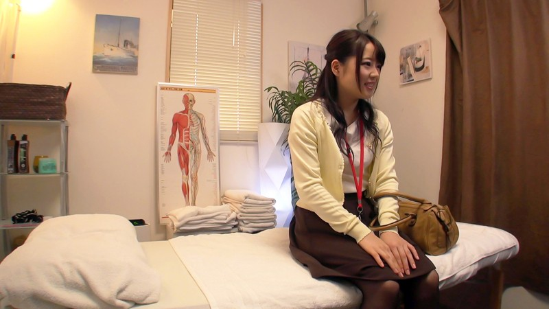 285ENDX-278 Javhihi Chiharu It seems that he is working as a design assistant and he blames the shoulders